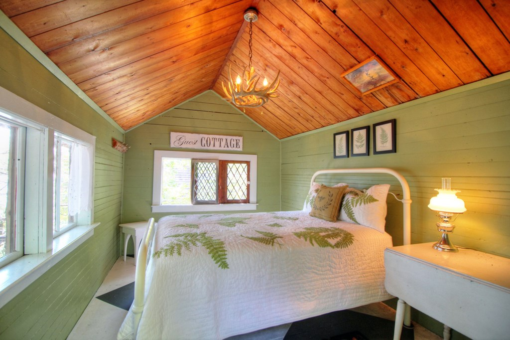 Glamping Cabin Bedroom